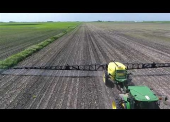 8000 Series Sprayer With 120 Ft Boom